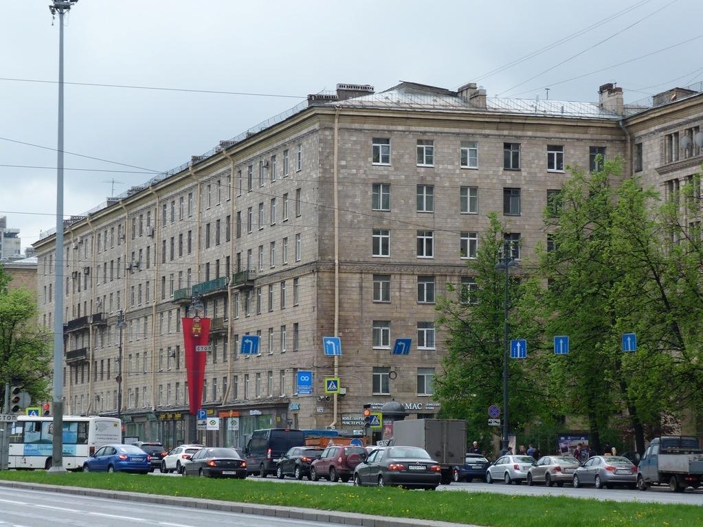 Элитная 3-к. квартира в сталинском доме напротив метро Московская - Фото 1
