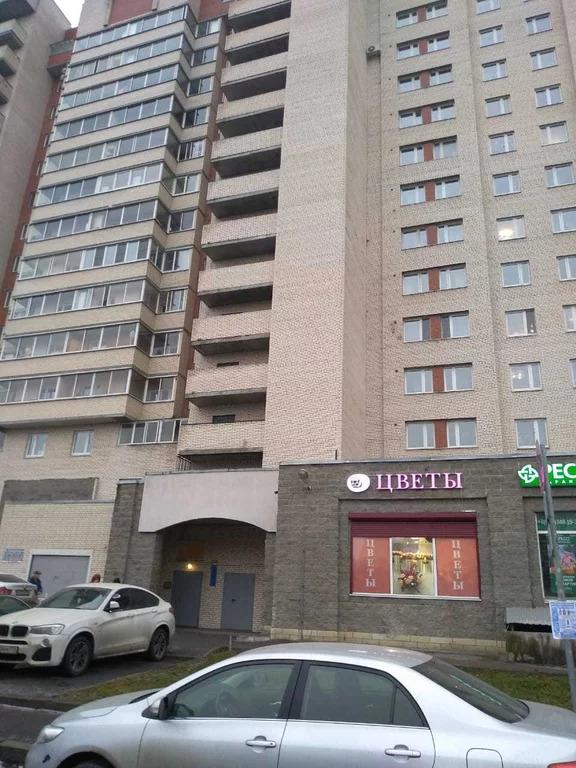 Продажа квартиры, м. Московская, Ул. Типанова - Фото 0