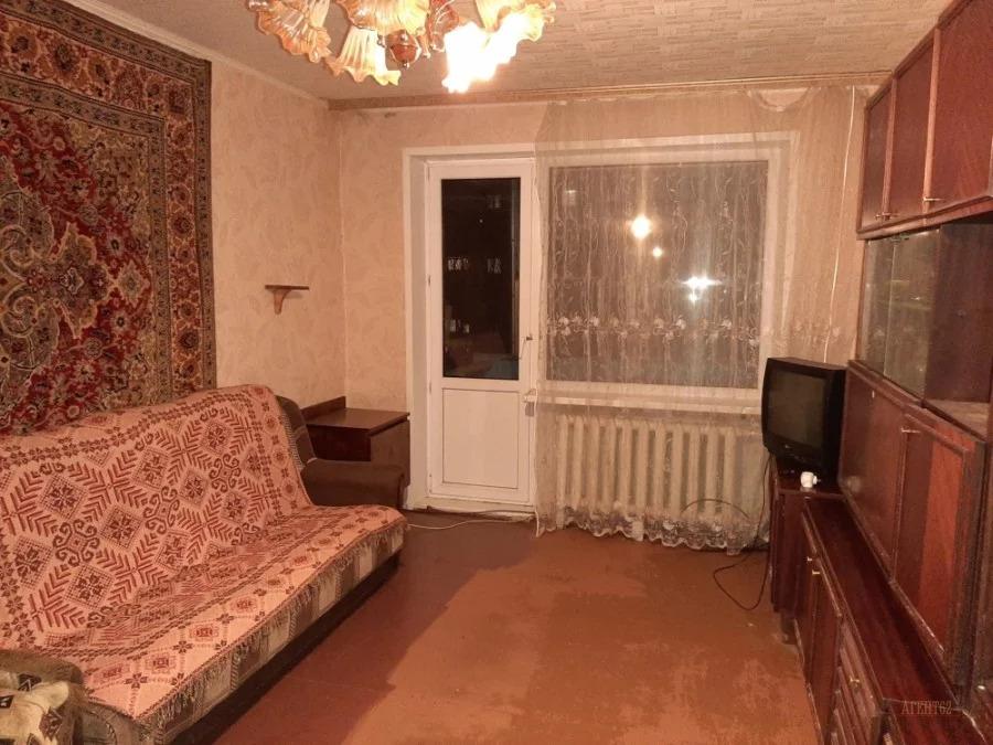 Продам 3-комн. квартиру вторичного фонда в Октябрьском р-не - Фото 0