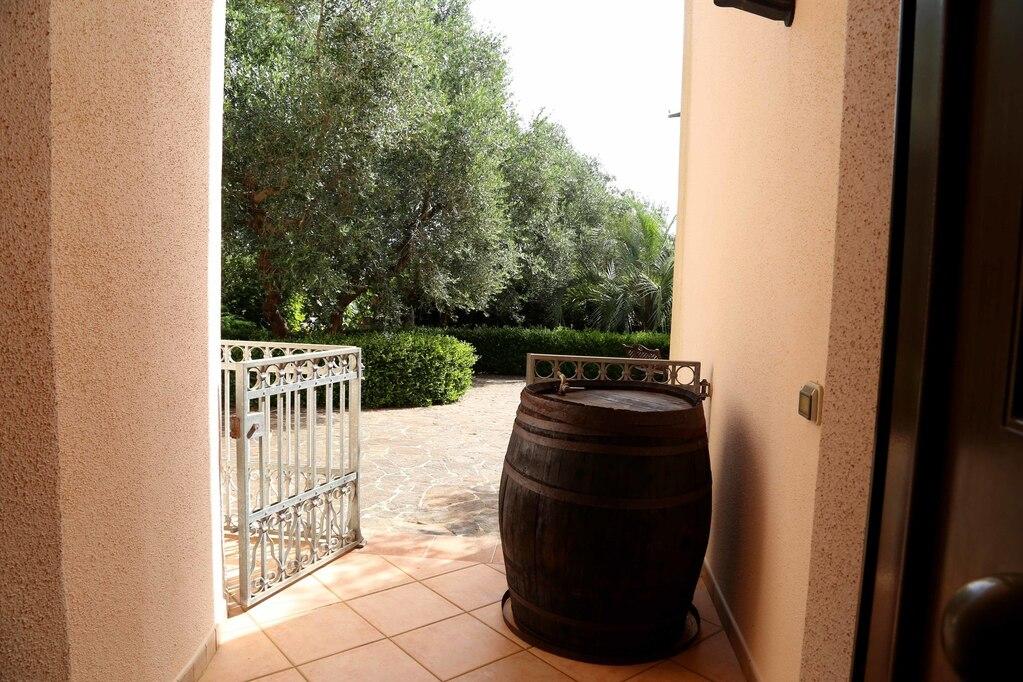 Эксклюзивная вилла для отдыха в Алессано, Апулия, Италия - Фото 12