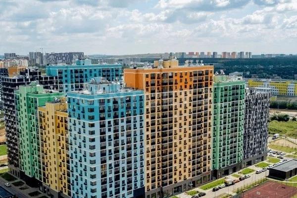 3к 67м2 квартира рядом с метро - Фото 0