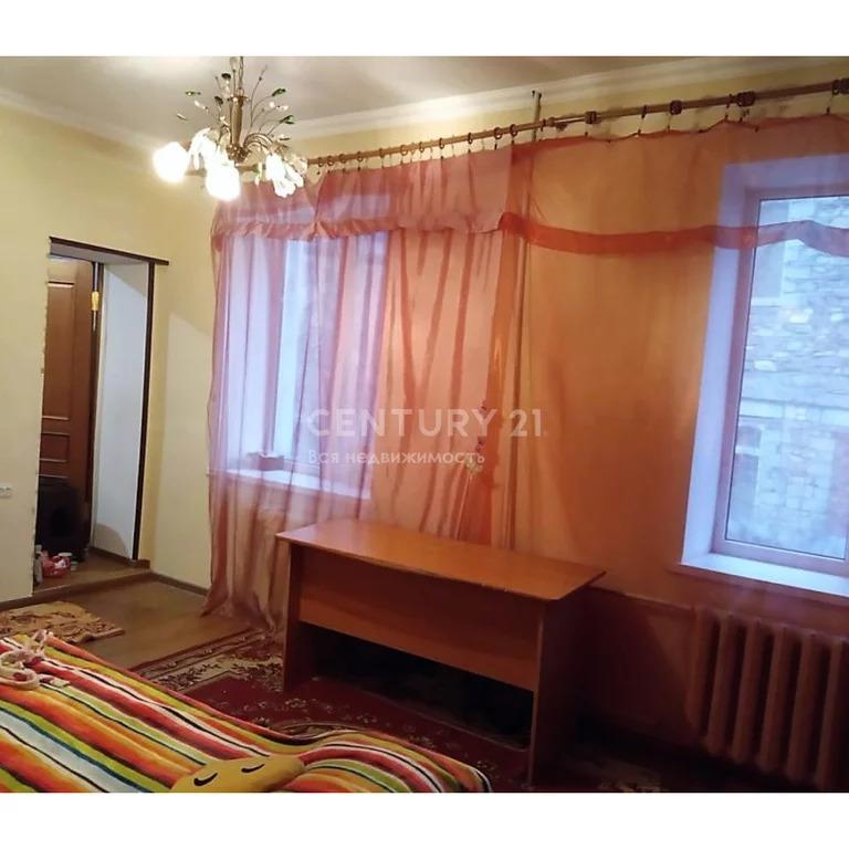 Продажа 4-к квартиры на площади Каминтерна 6, 100 м2, 2/2 эт. - Фото 2