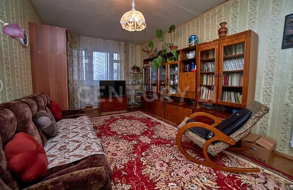 Продажа 4-к квартиры на 5/5 этаже на ул. Гвардейская д. 33 - Фото 0
