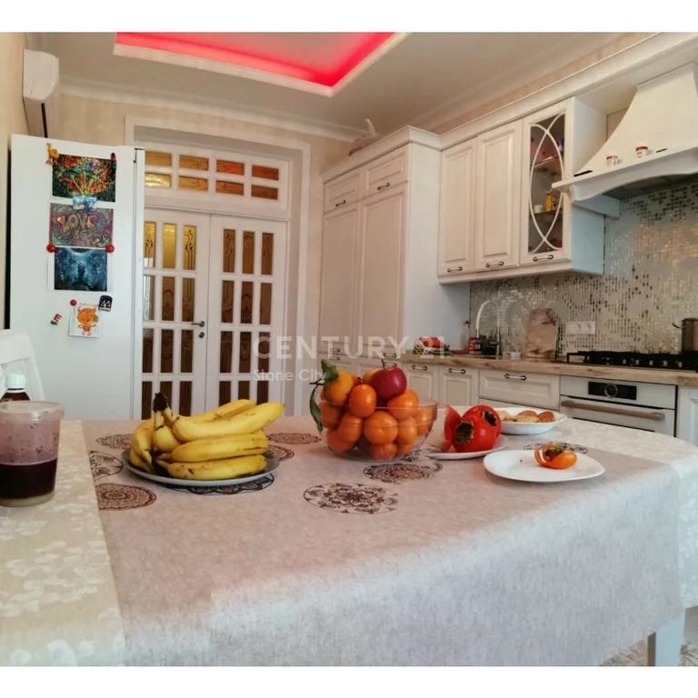 4 х комнатная квартира Салимжанова 15 - Фото 0