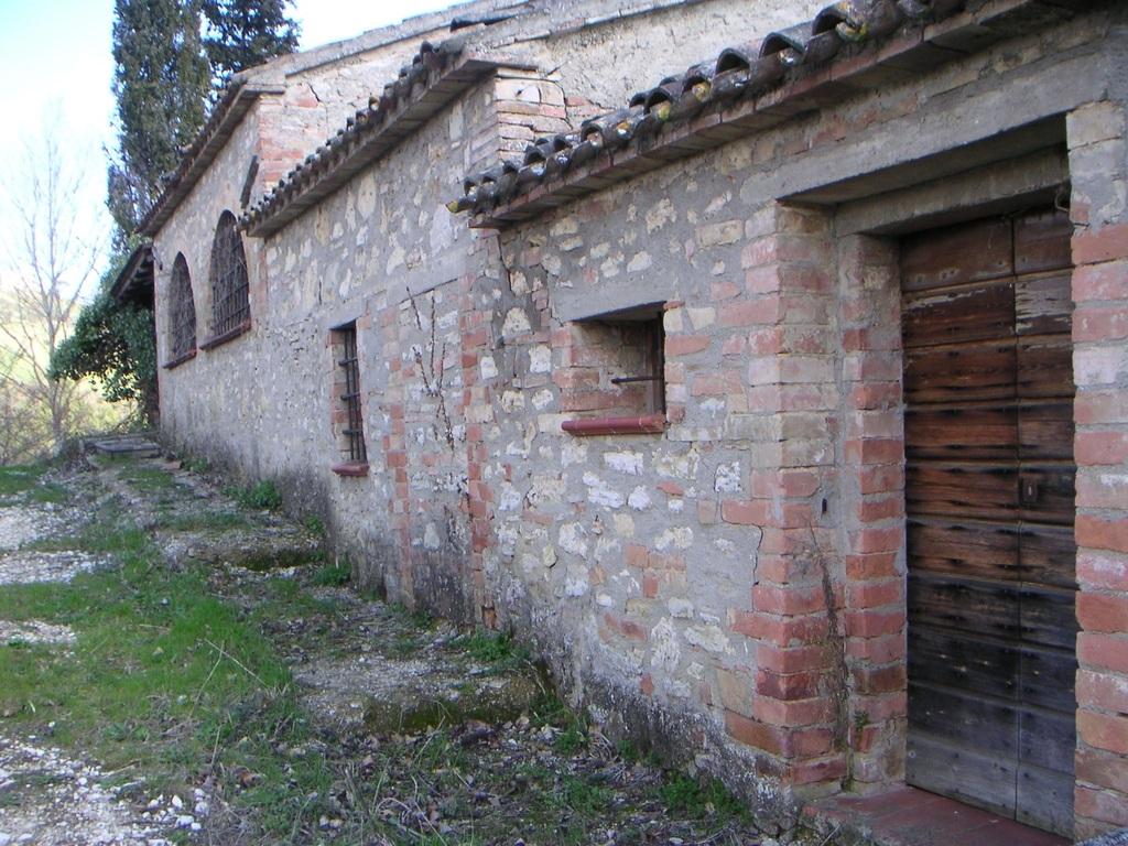 Продается усадьба в Сан-Теренциано, Перуджа, Италия - Фото 8