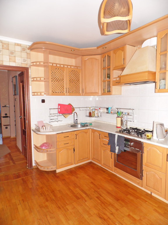 Продам 3-комнатную квартиру в центре Орла - Фото 0