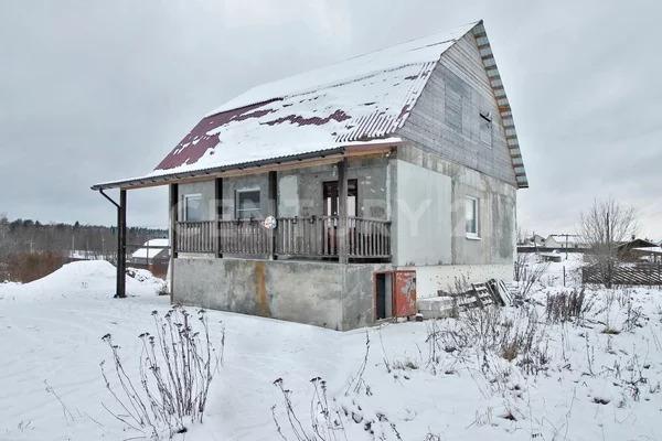 В продаже пол дома с отдельным входом. - Фото 1