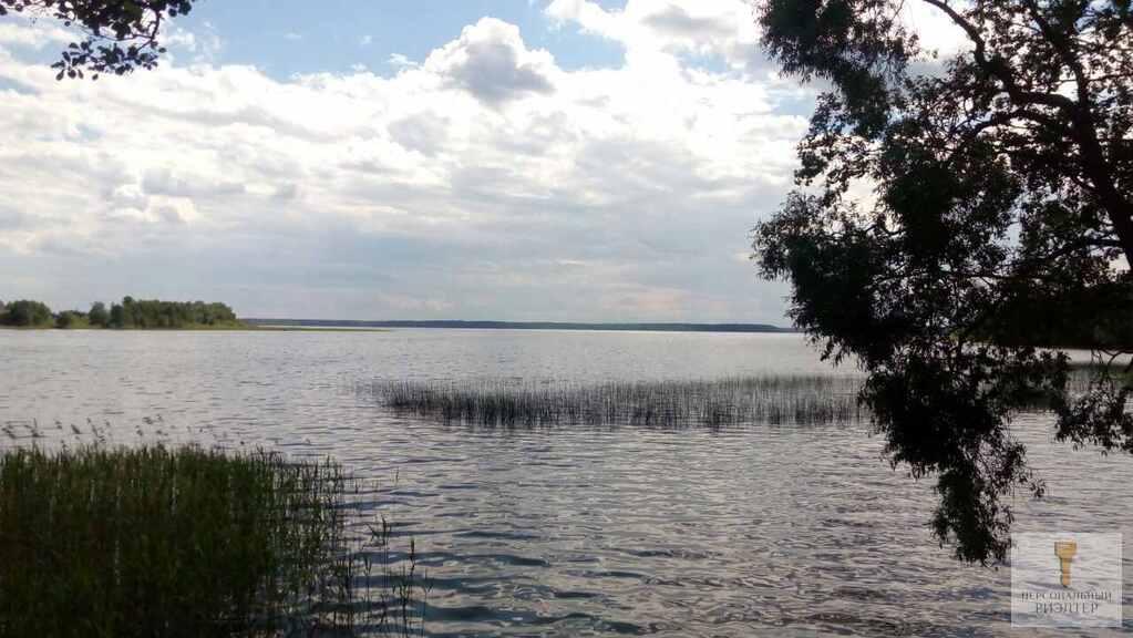 Участок на берегу озера - Фото 1