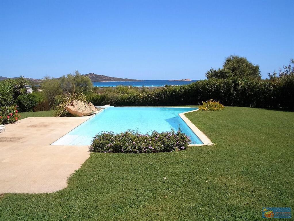Вилла класса люкс с бассейном в аренду на Сардинии. - Фото 9