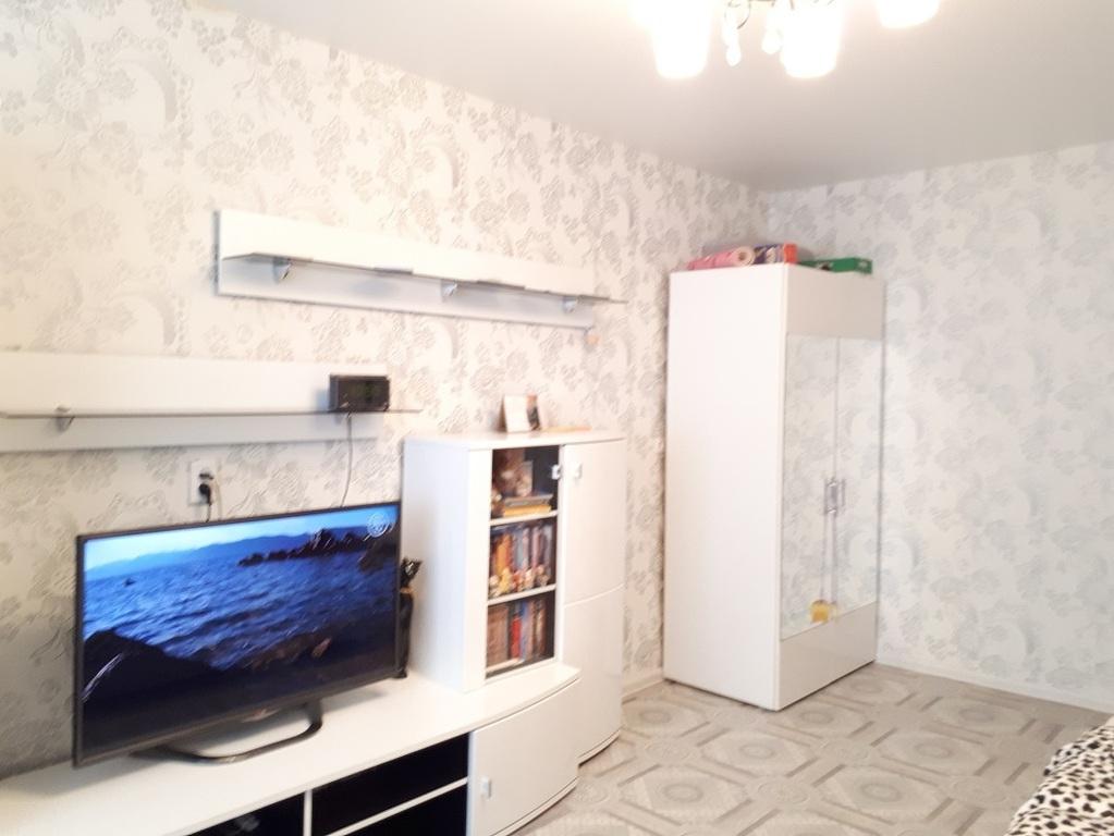 Продам 1 комнатную квартиру улучшенной планировки - Фото 1