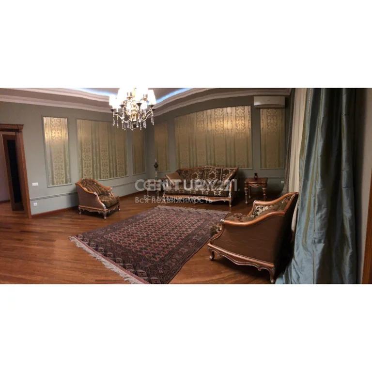 Продажа 5-к квартиры по ул.Синявина (возле М.Гаджиева), 200 м2, 1/4 эт - Фото 0