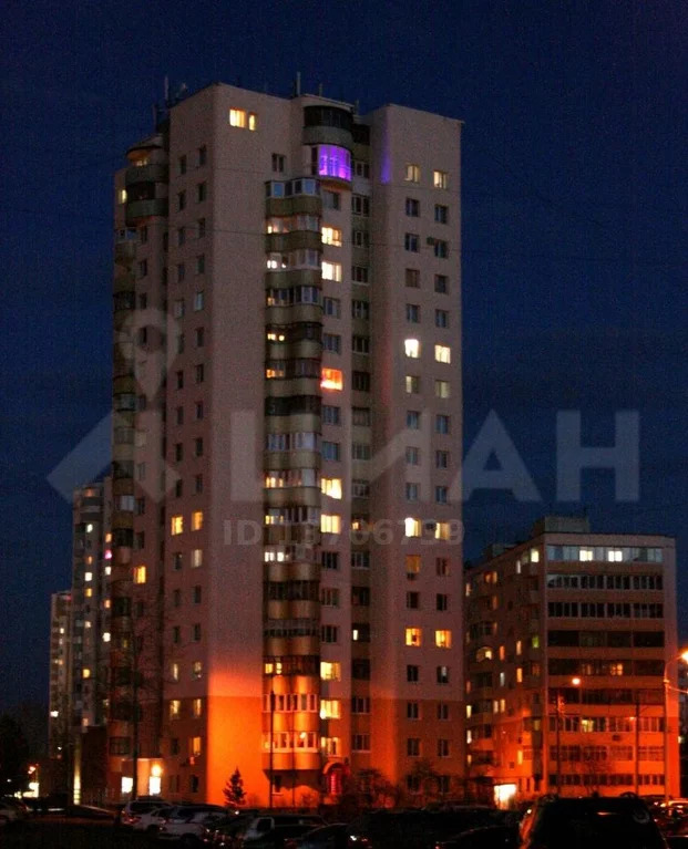 3-к кв. Башкортостан, Уфа ул. Максима Рыльского, 8 (81.0 м) - Фото 0