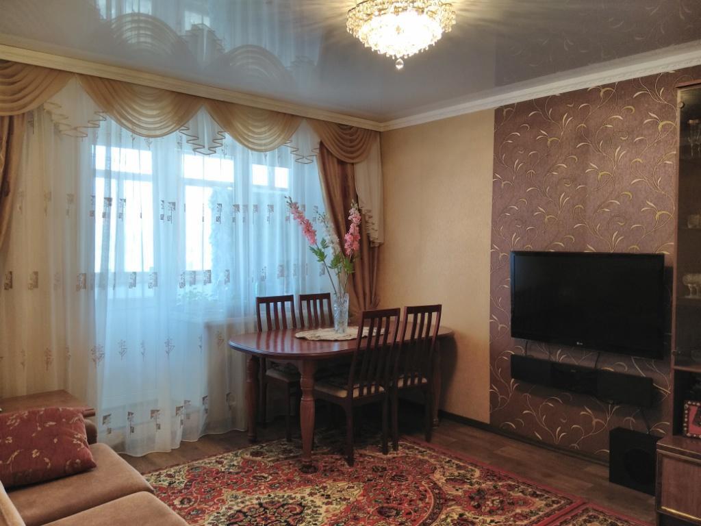 Продам 4-х комнатную квартиру - Фото 0