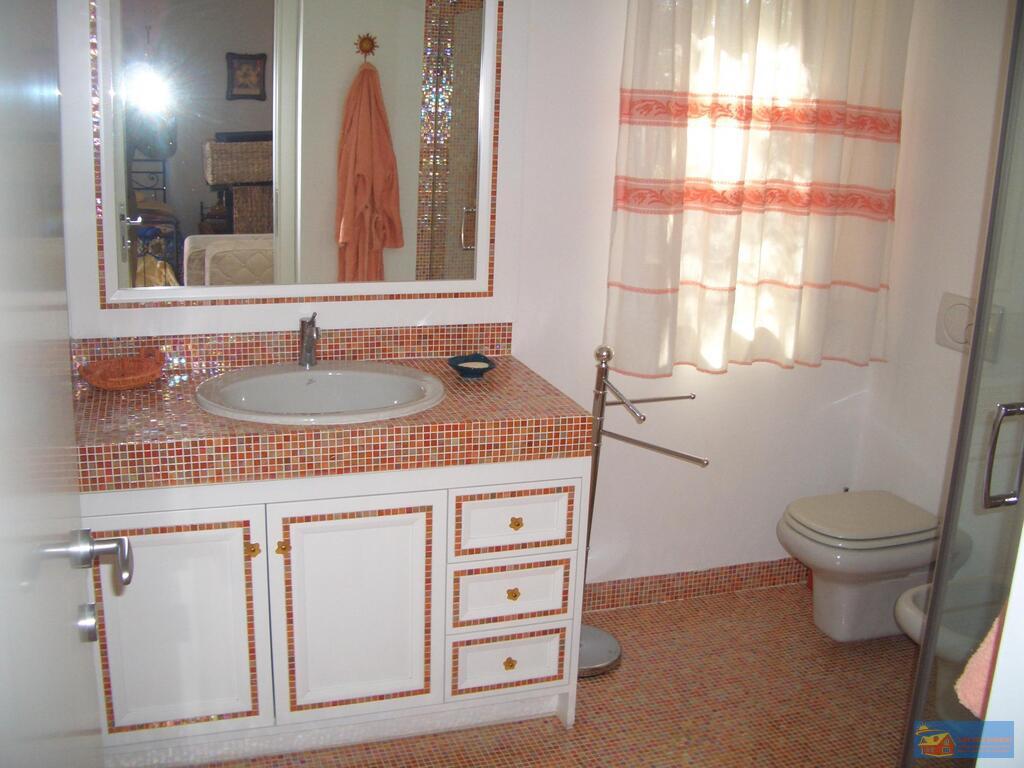 Вилла класса люкс с бассейном в аренду на Сардинии. - Фото 21
