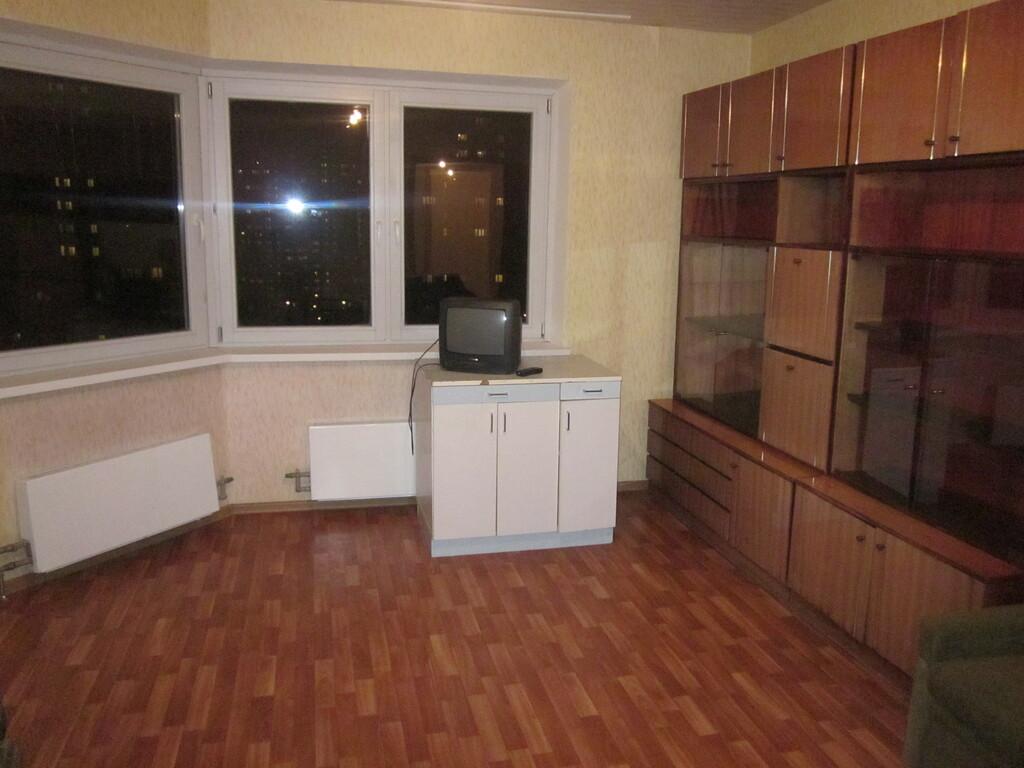 Сдам комнату в 3- комн. квартире в Новоподрезково Синявинская, 11 - Фото 2
