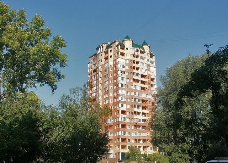Сдам 3х к. квартиру в центре г. Серпухов, ул. 5-я Борисовская, д. 10. - Фото 0