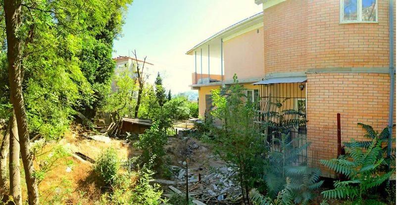 Продается земельный участок Респ Крым, г Ялта, ул Свердлова, д 42б - Фото 0
