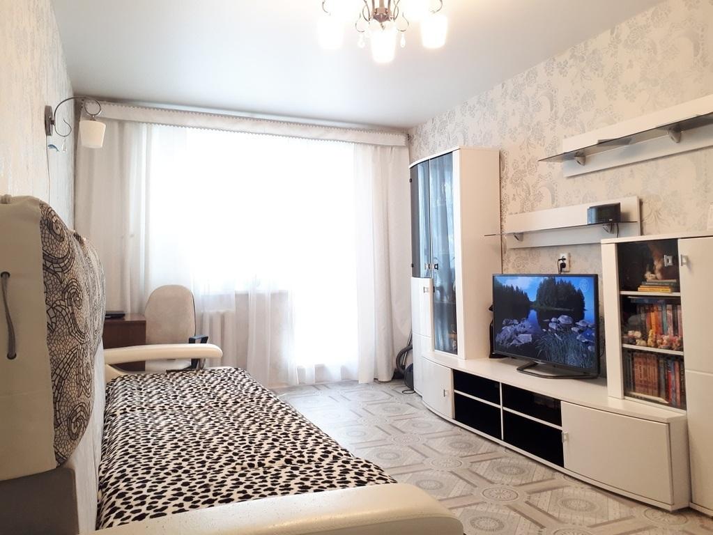Продам 1 комнатную квартиру улучшенной планировки - Фото 0
