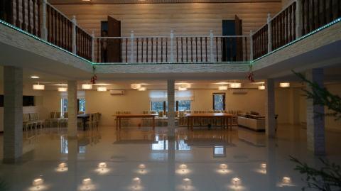 Шикарный коттедж с огромным бассейном, банкетным залом в Осиновой роще - Фото 5
