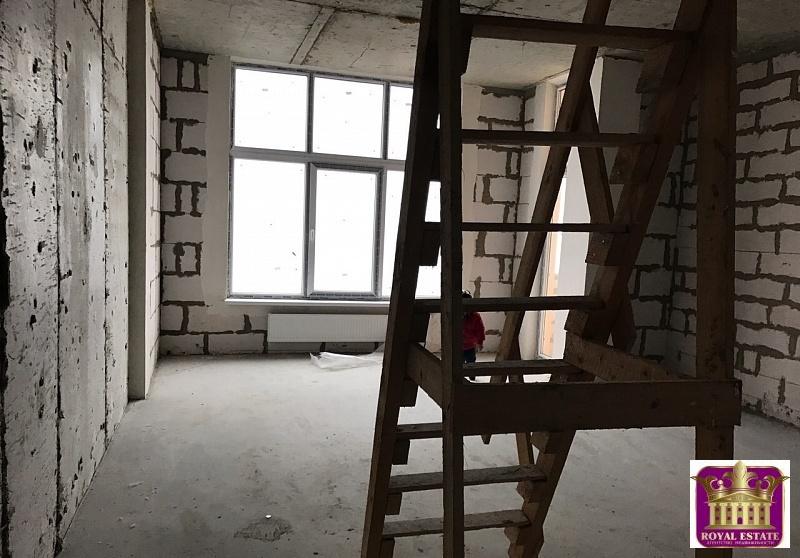 Продается квартира Респ Крым, г Симферополь, Смежный пер, д 10 - Фото 0