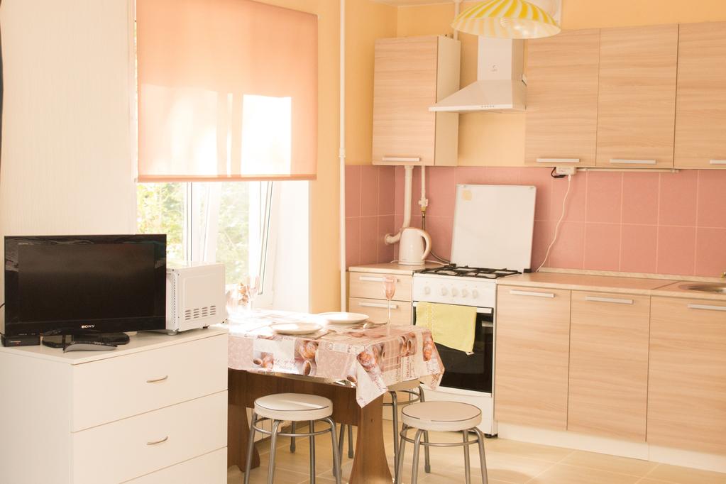 Большая и светлая квартира-студия посуточно - Фото 3