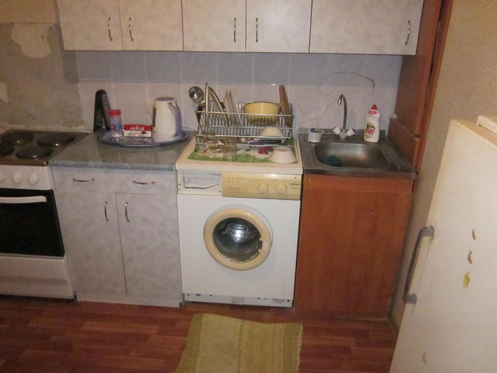 Сдам комнату в 3- комн. квартире в Новоподрезково Синявинская, 11 - Фото 0