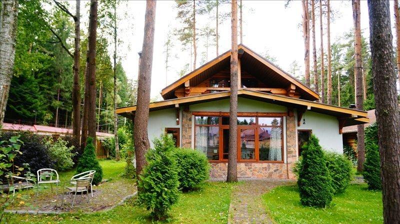 Двухэтажный домик с русской баней в пос. Мельничный Ручей - Фото 0