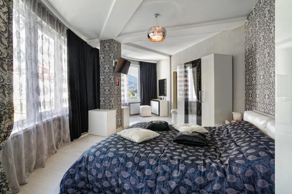 Красивая видовая квартира в новом ЖК в Ялте - Фото 0