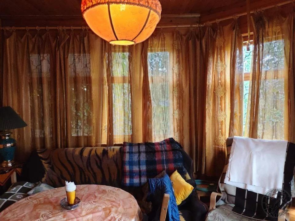 Просторный дом и баня на ухоженном участке среди леса - Фото 5