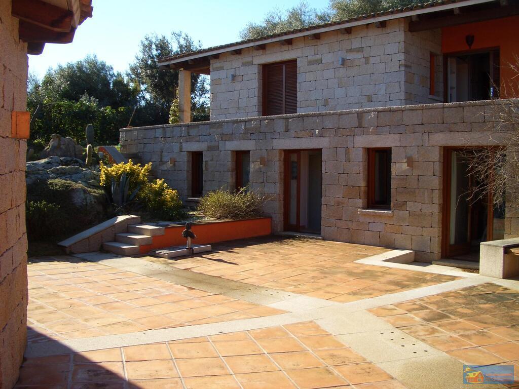 Вилла класса люкс с бассейном в аренду на Сардинии. - Фото 22