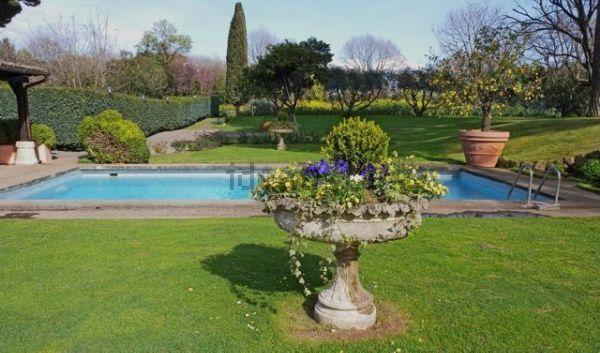 Продается эксклюзивная вилла в Риме, Италия - Фото 1