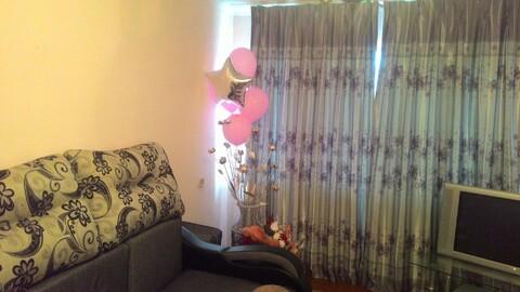 Продаю отличную двухкомнатную квартиру в центре города, Купить квартиру в Новоалтайске, ID объекта - 328309092 - Фото 1