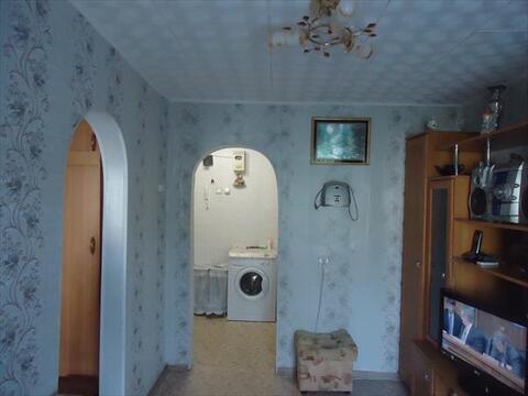 2-комнатная Гостинка в Октябрьском районе, Купить квартиру в Томске, ID объекта - 331048105 - Фото 2