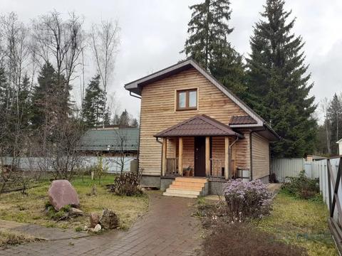 Предлагается к продаже земельный участок 8 соток, с баней 80 кв.м.