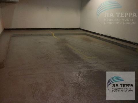 Сдается в аренду парковочное место в подземном паркинге, Аренда гаража, машиноместа в Москве, ID объекта - 400086733 - Фото 1