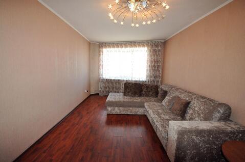 1-комнатная квартира в Ценре города в Элитном доме, Снять квартиру на сутки в Барнауле, ID объекта - 303394528 - Фото 1