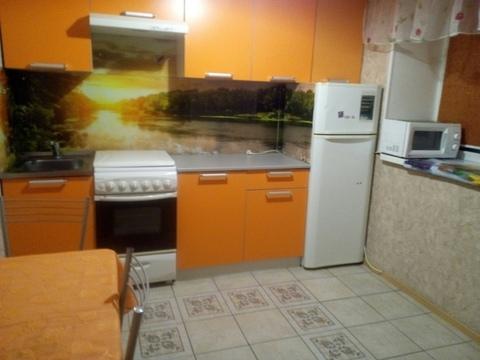 Сдам 2-к квартиру в центре, Снять квартиру в Кемерово, ID объекта - 332291889 - Фото 1