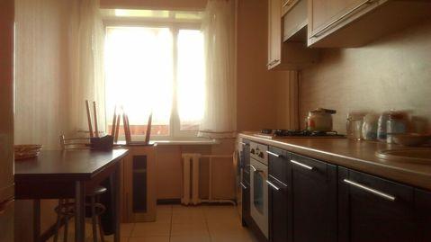 Трехкомнатная квартира в аренду в хорошем состоянии, Снять квартиру в Наро-Фоминске, ID объекта - 320900423 - Фото 1